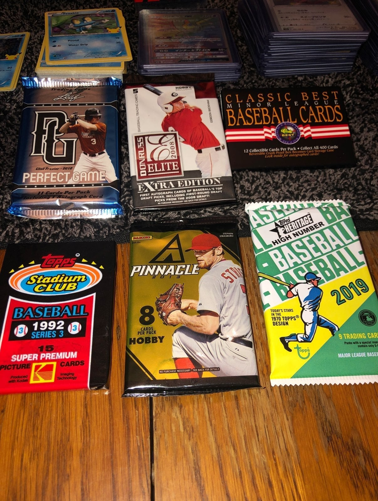 Baseball card booster pack lot