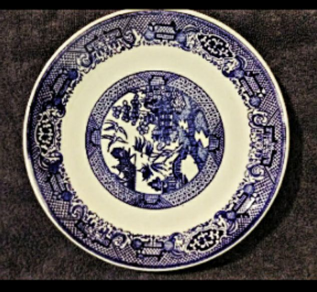 """Blue Willow 6"""" dessert plate"""