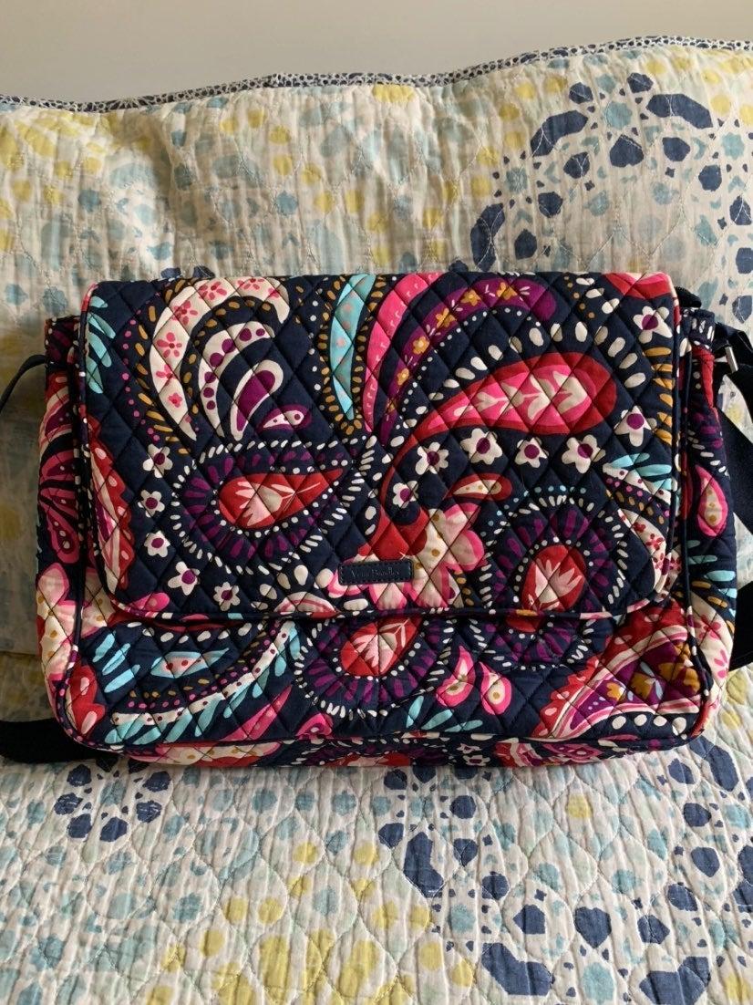 Vera Bradley Meesnger Bag