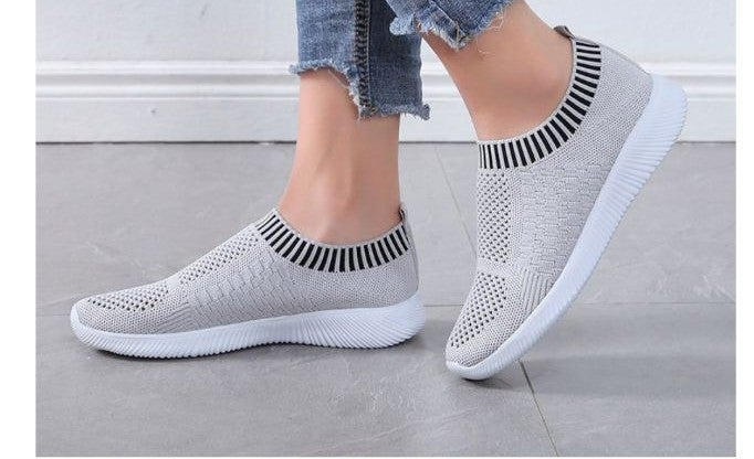 Soft Athletic Shoes Gray and White