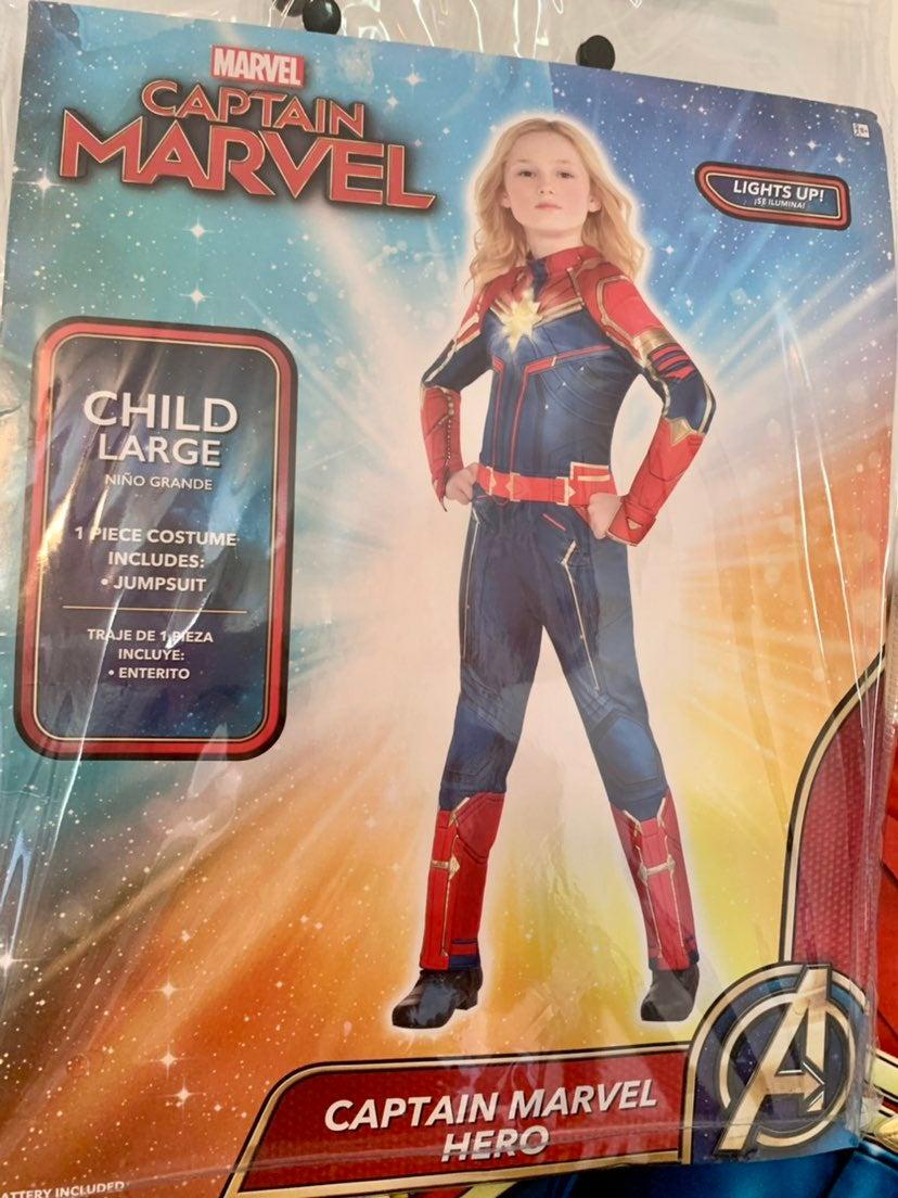 Girls Cpt. Marvel Light up Costume Large
