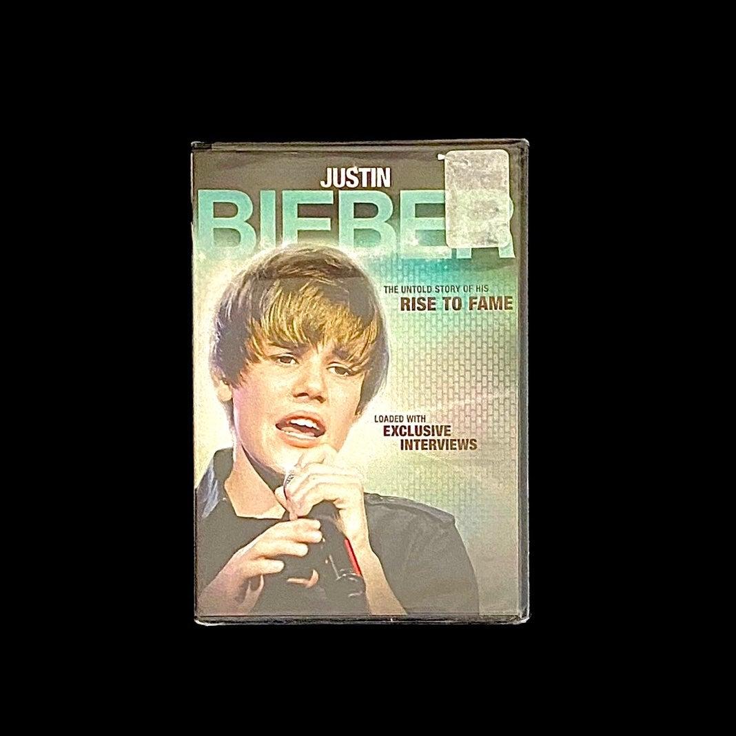 NEW-DVD J BIEBER