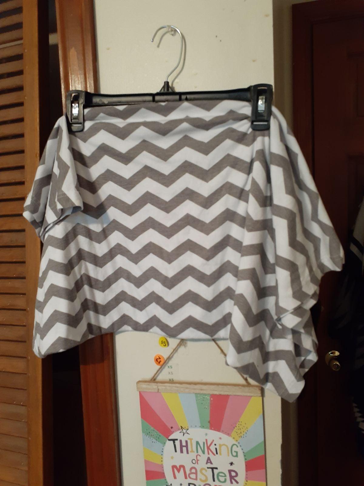 Gray & white scarf