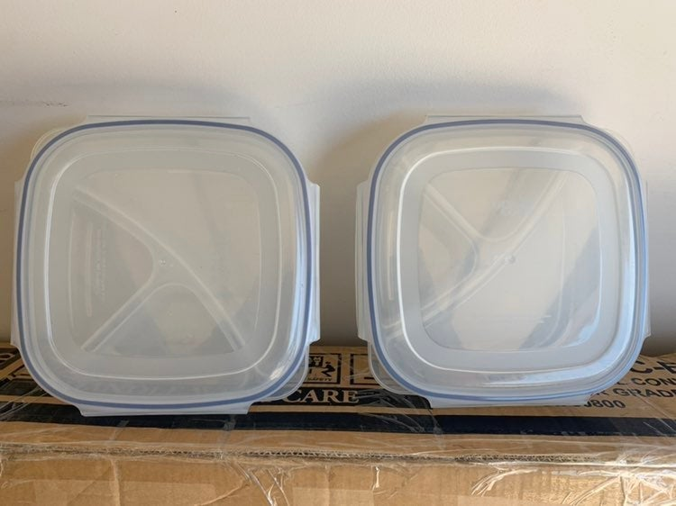 Set of 2 divided food containers