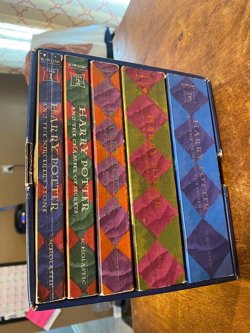 Harry Potter Box Set Books 1-5 Box Set