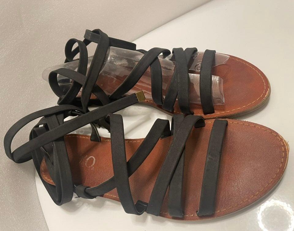 XOXO Black Lace-Up Flat Sandals-7.5M