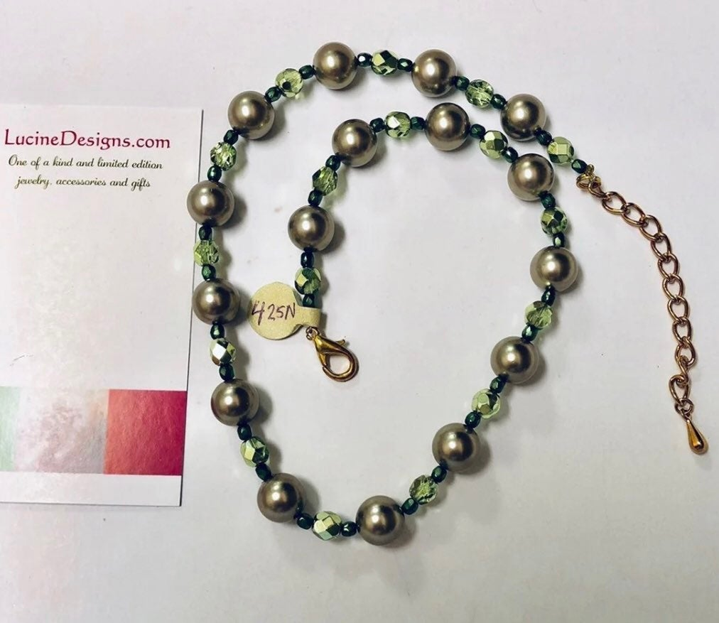 Green pearl Necklace boutique jewelry