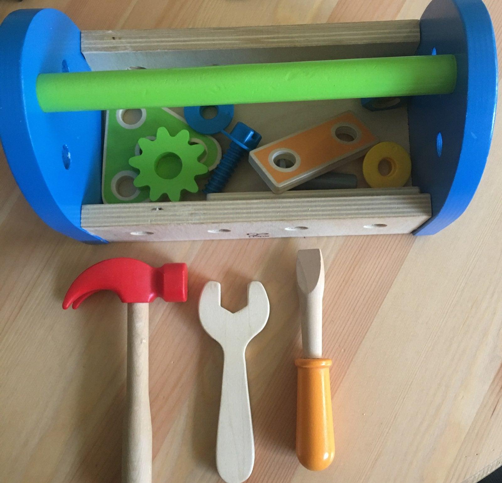 Hape toys tool box set