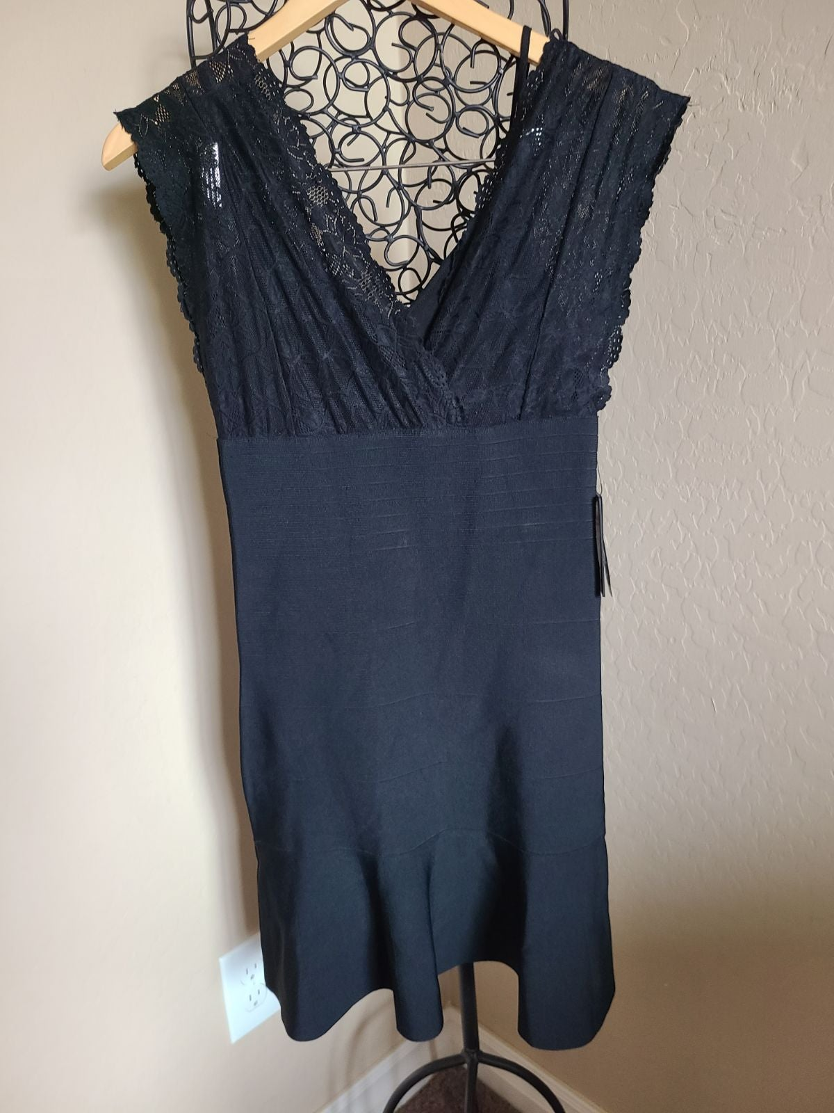 GUESS bandage dress black with lace Med