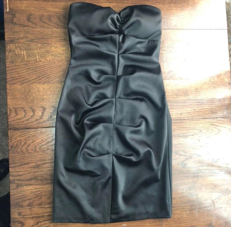 Black satin strapless bodycon dress 3/4