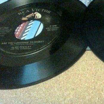 Two Elvis Presley+ 45 RPM RARE/UNCOMMON