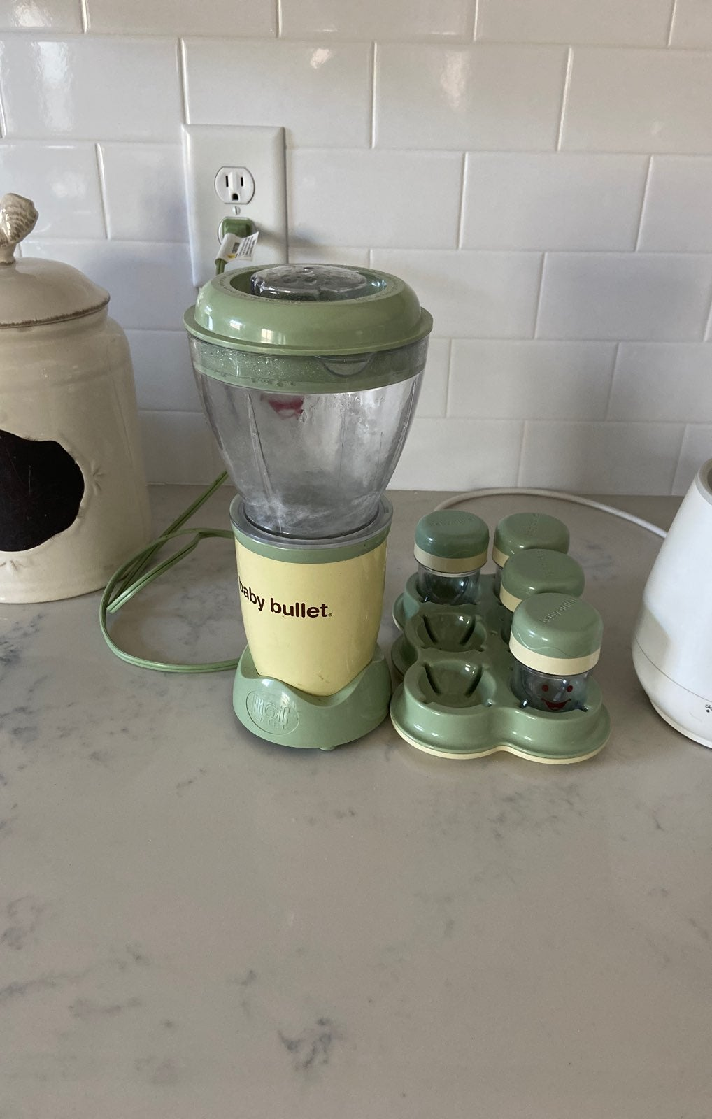 Baby Bullet and bottel warmer