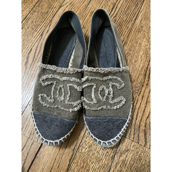 Grey Tan Chanel Espadrille Size 36 6 CLASSICS