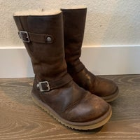 6a337723c54 UGG Kensington Distressed Boots Size 4