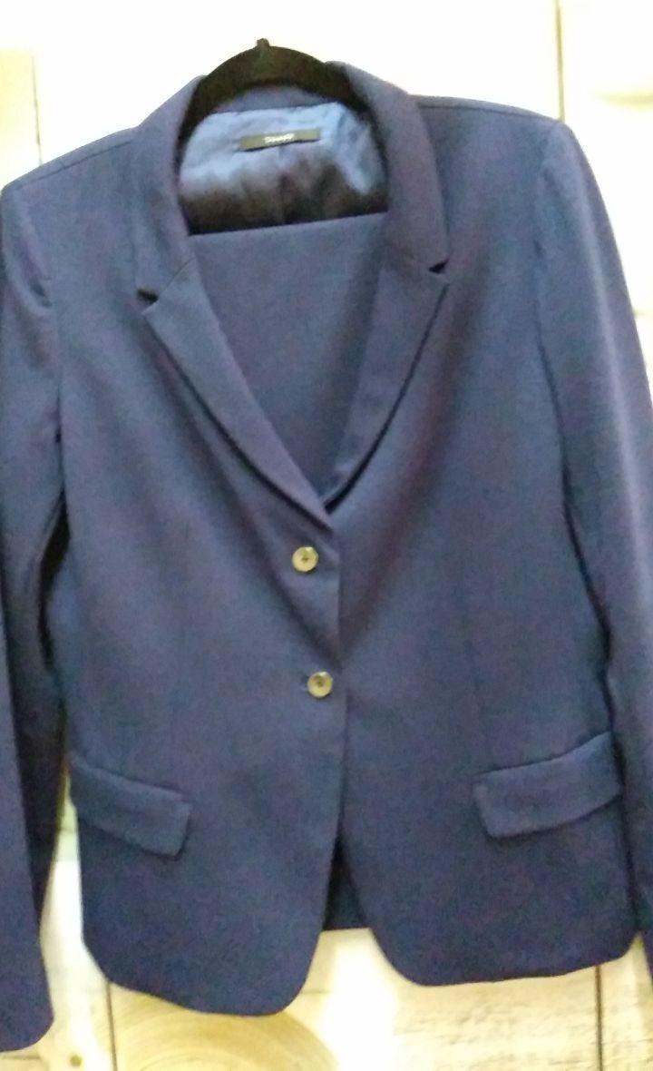 Pant Suit by Tahari Sz. 14 NWOT