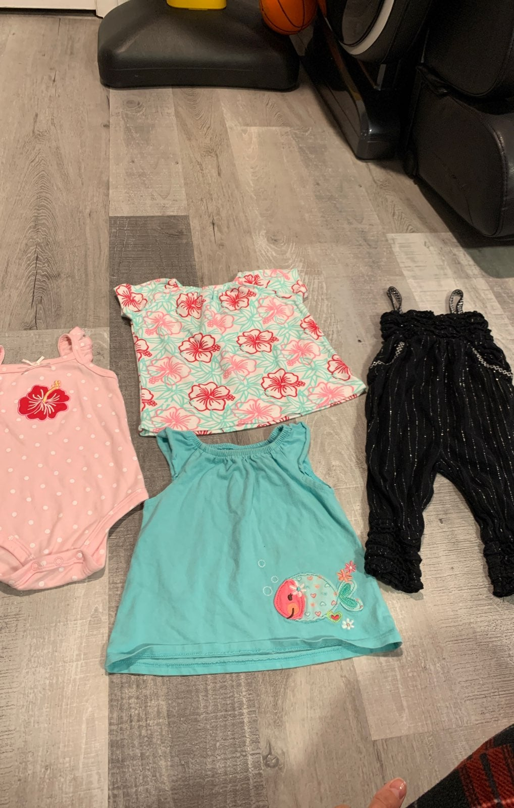Infant girl bundle 6-9 months