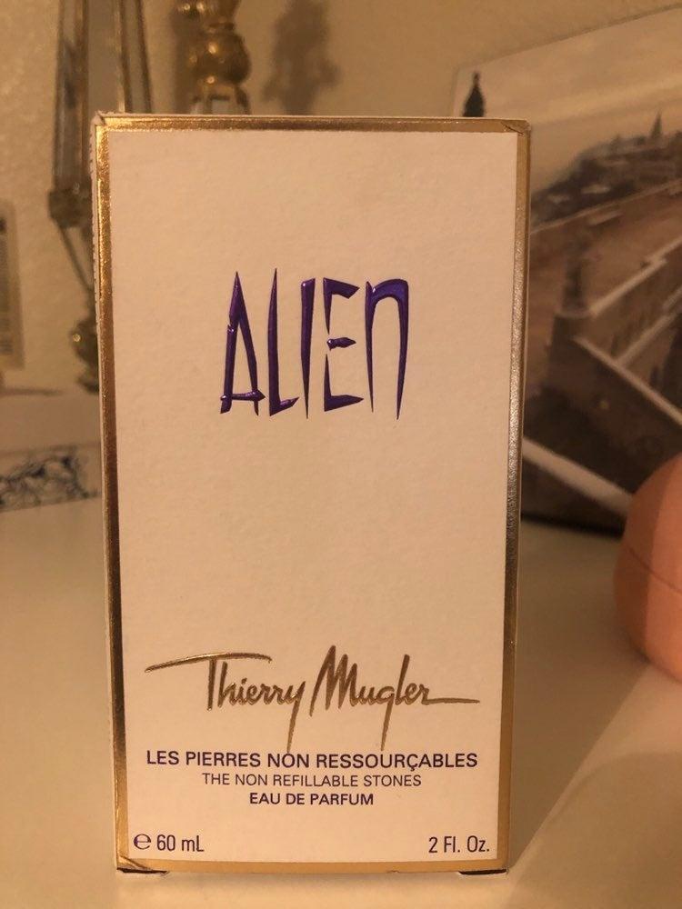 *Never used* Mugler Alien Perfume 2 oz