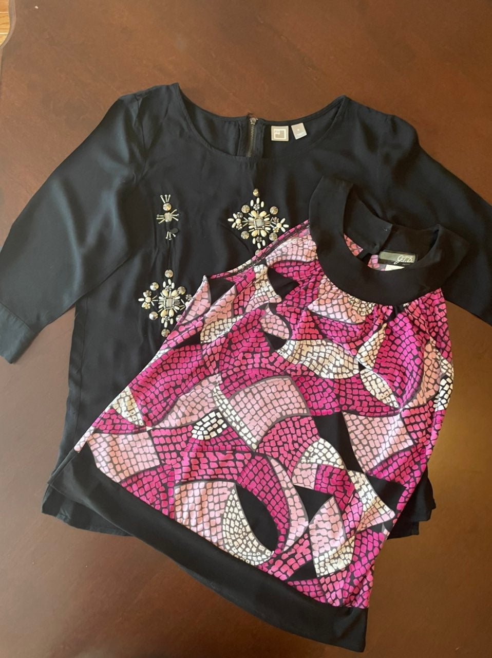 Bundle of 2 womens tops size Small