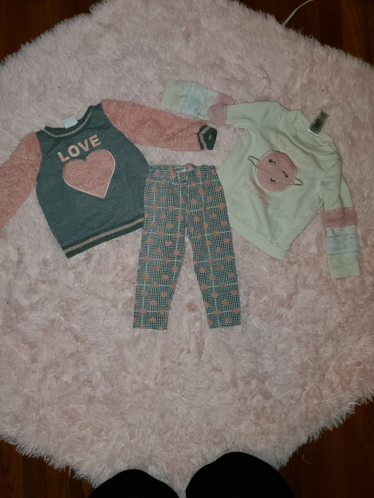 Girl's 2T 3-Piece Outfit