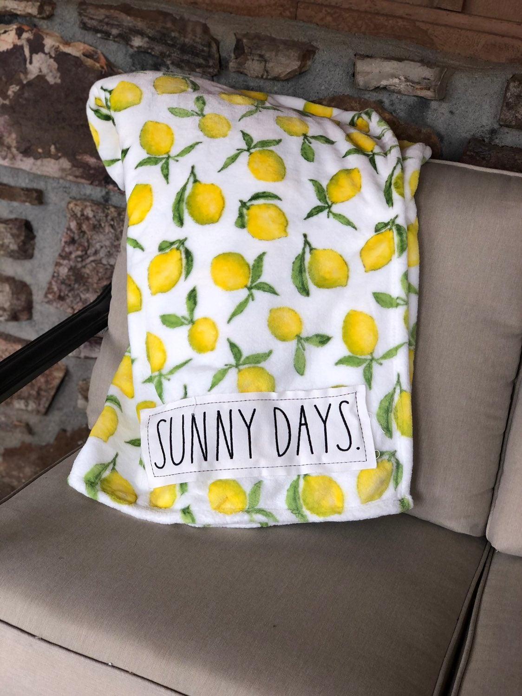 Rae dunn HTF sunny days blanket