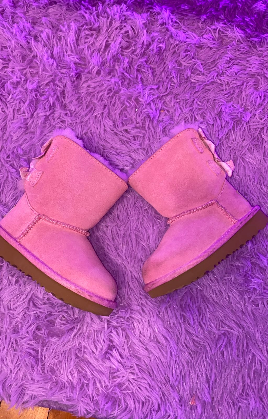 Uggs t bailey bow    star toddler