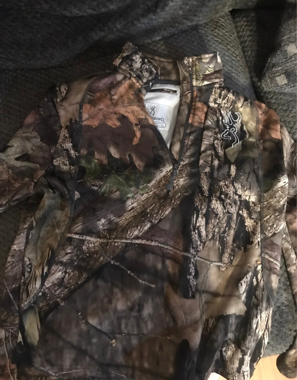 Browning pullover