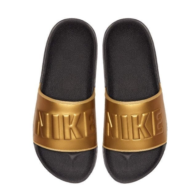 Size 6 NEW Nike Womens Offcourt Sandals