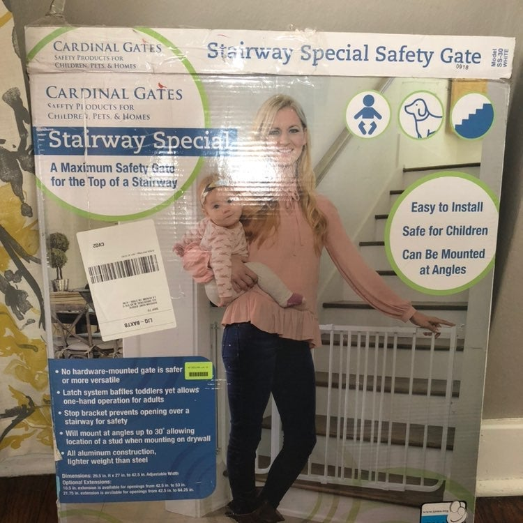 New Cardinal Gates baby/pet stairs gate