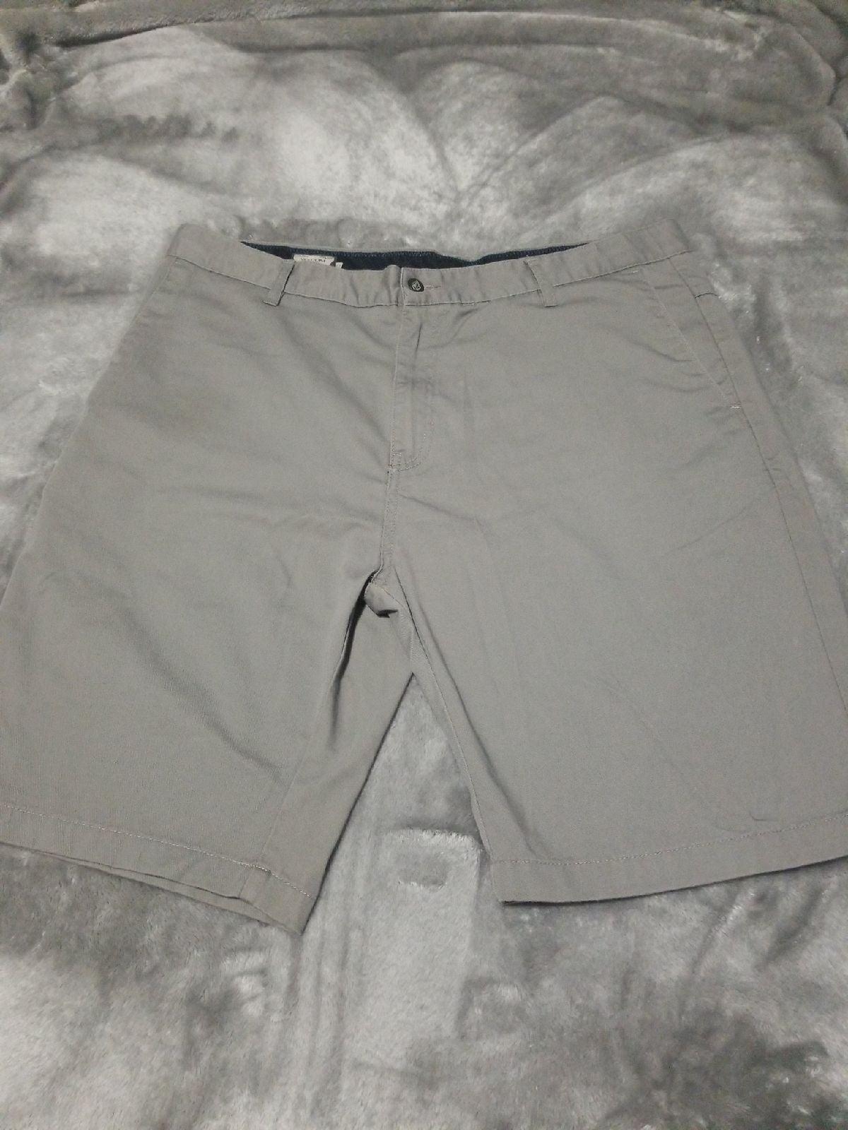 Men's dark gray Volcom Shorts