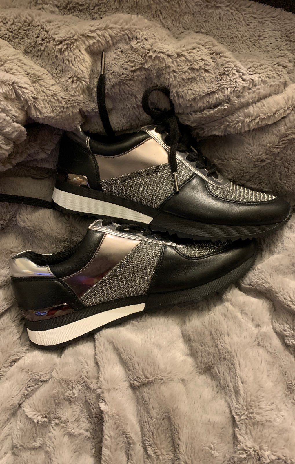 Sz 7.5 Michael Kors Sneakers