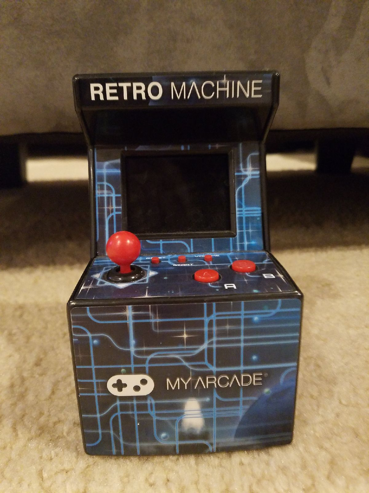 Retro Mini Game Machine