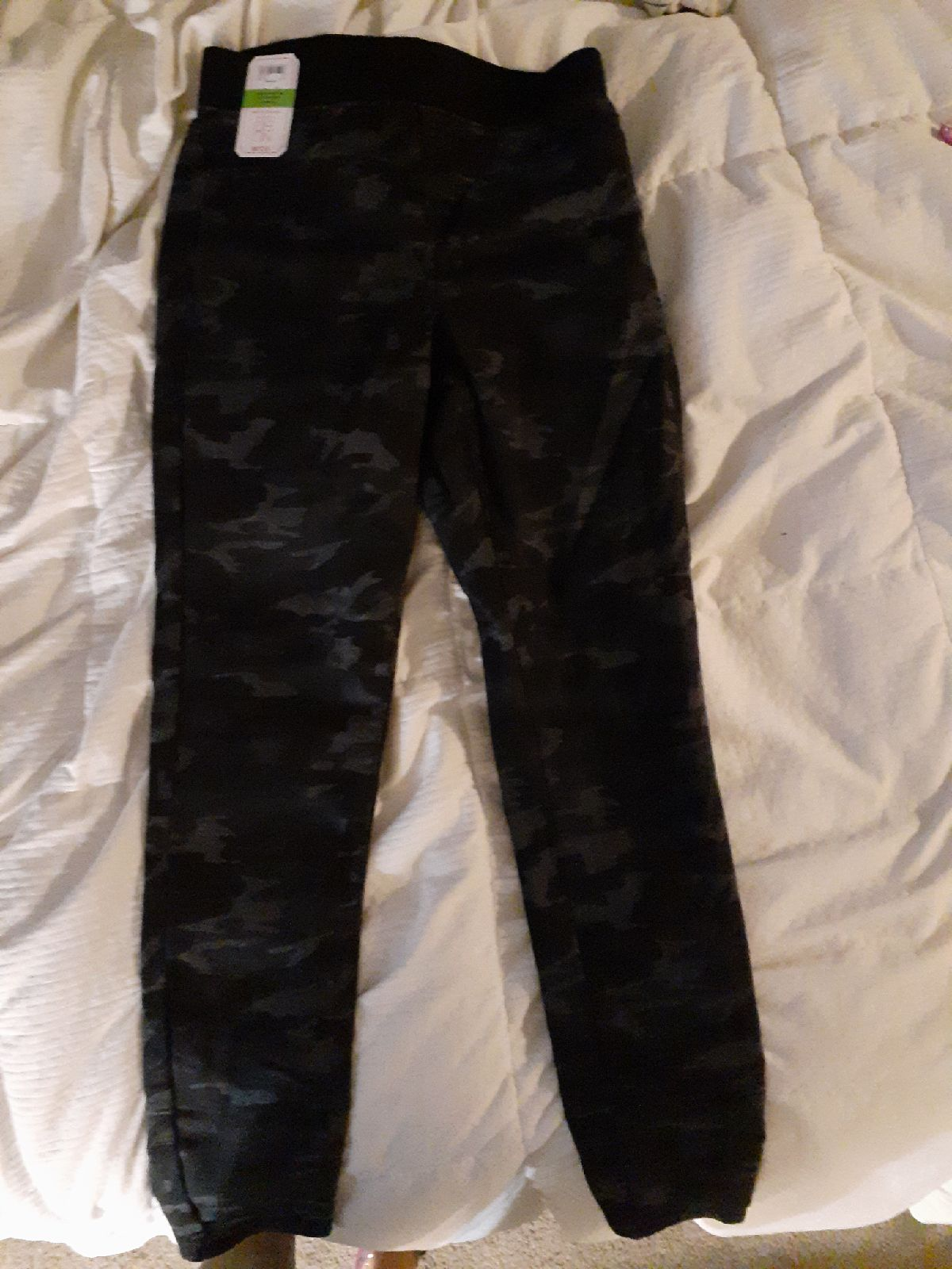 No Boundaries camo jeans/jeggings, size