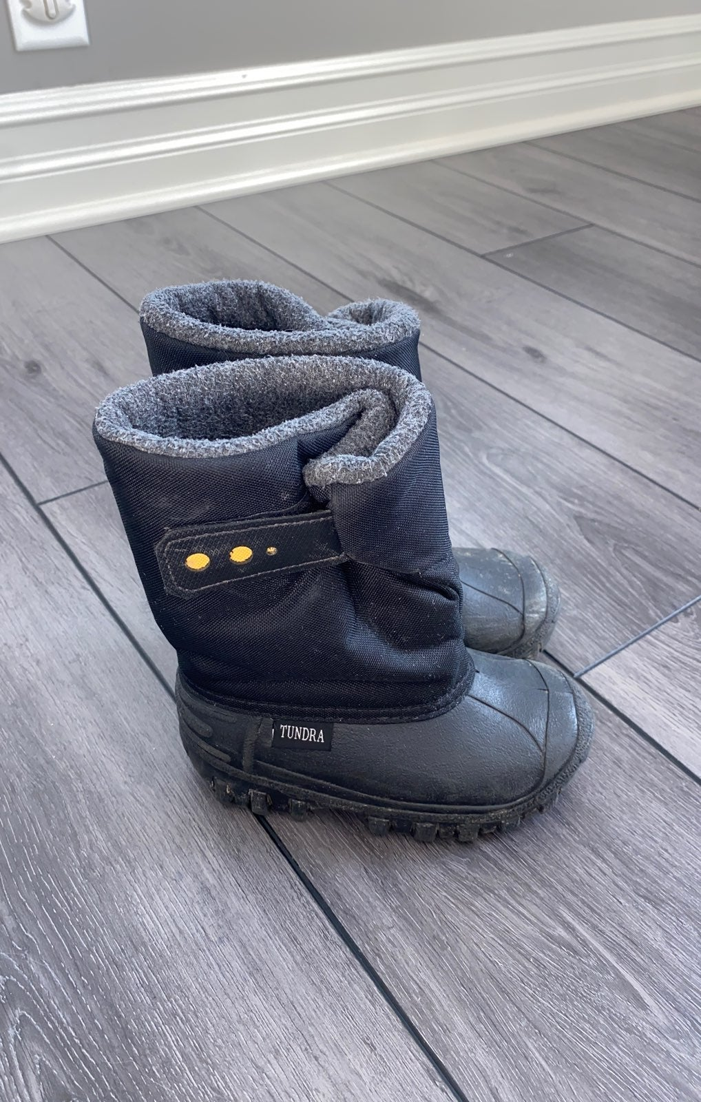 Black Tundra Kids Snow Boots Size 9