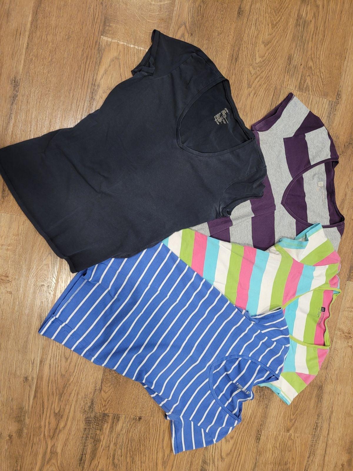 Gap Stretch V-Neck Stretch Shirt