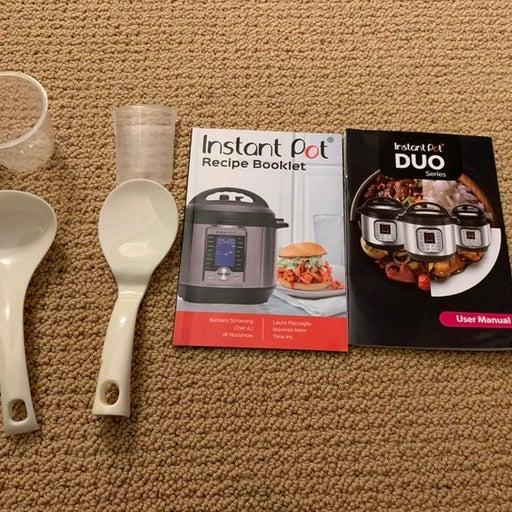 Instant Pot Accessories & Recipe Book