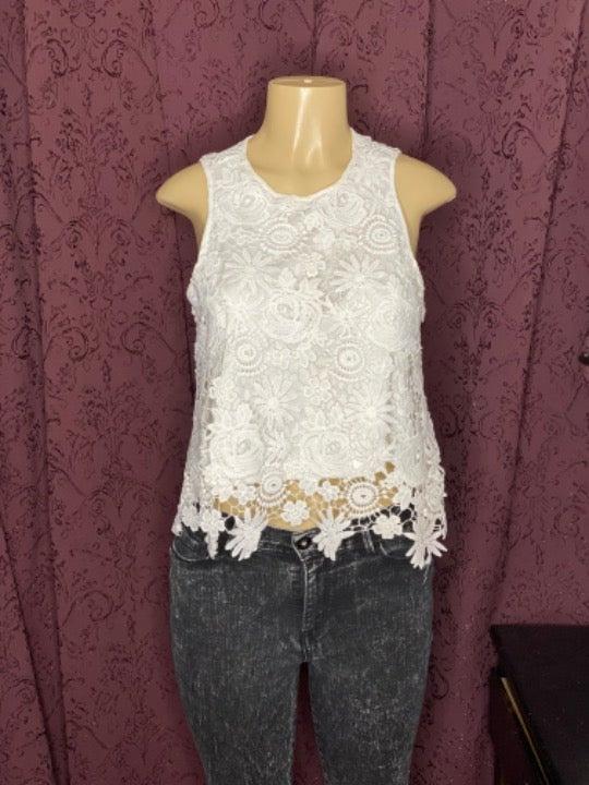 Lace white crop top size M