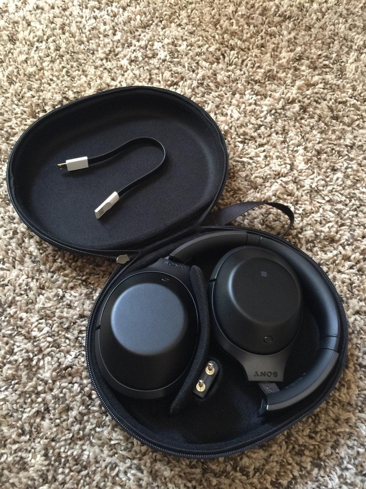 Sony MDR-1000x Bluetooth Headphones