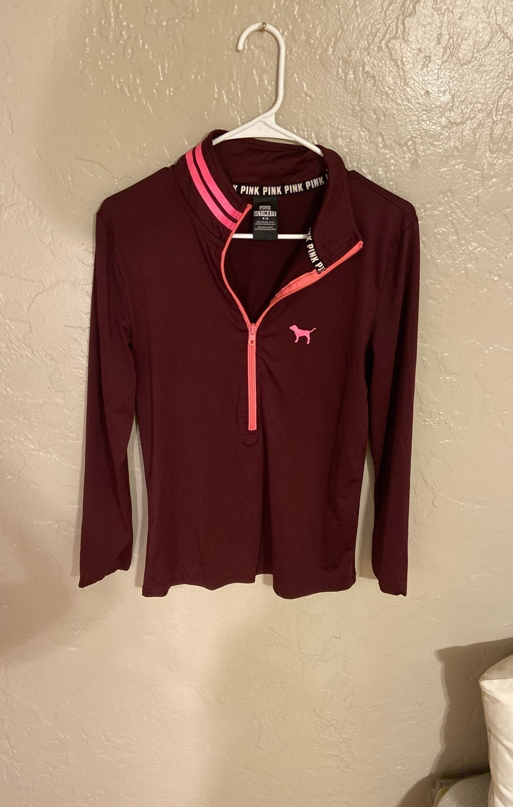 VS Pink long athletic top
