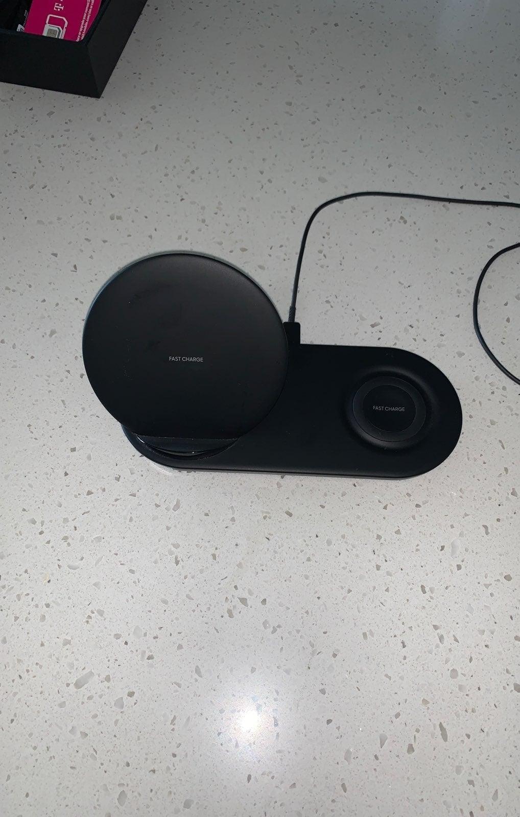Samsung Dual Wireless Charging Dock