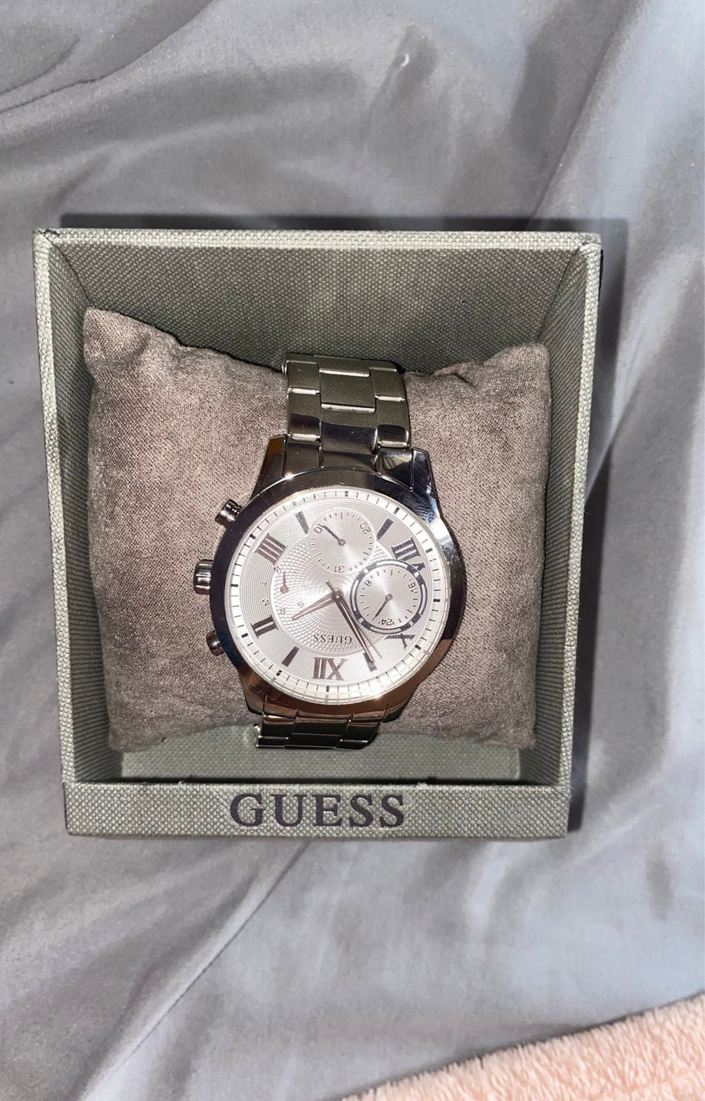 New GUESS silver watch