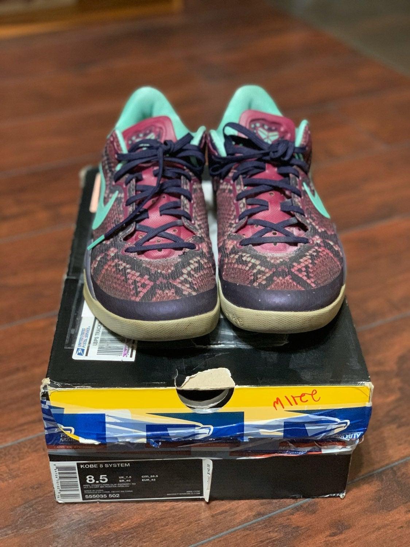Kobe 8 system viper purple size 8.5