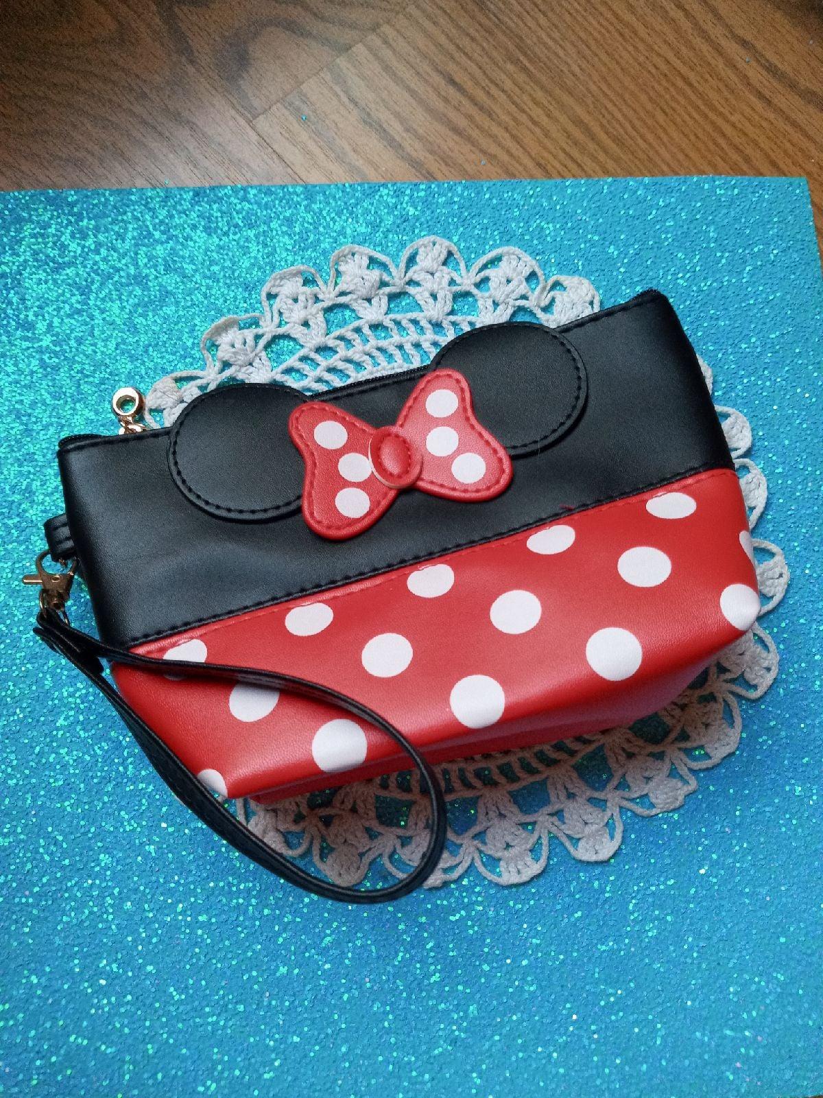 Minnie Mouse wristlet bag