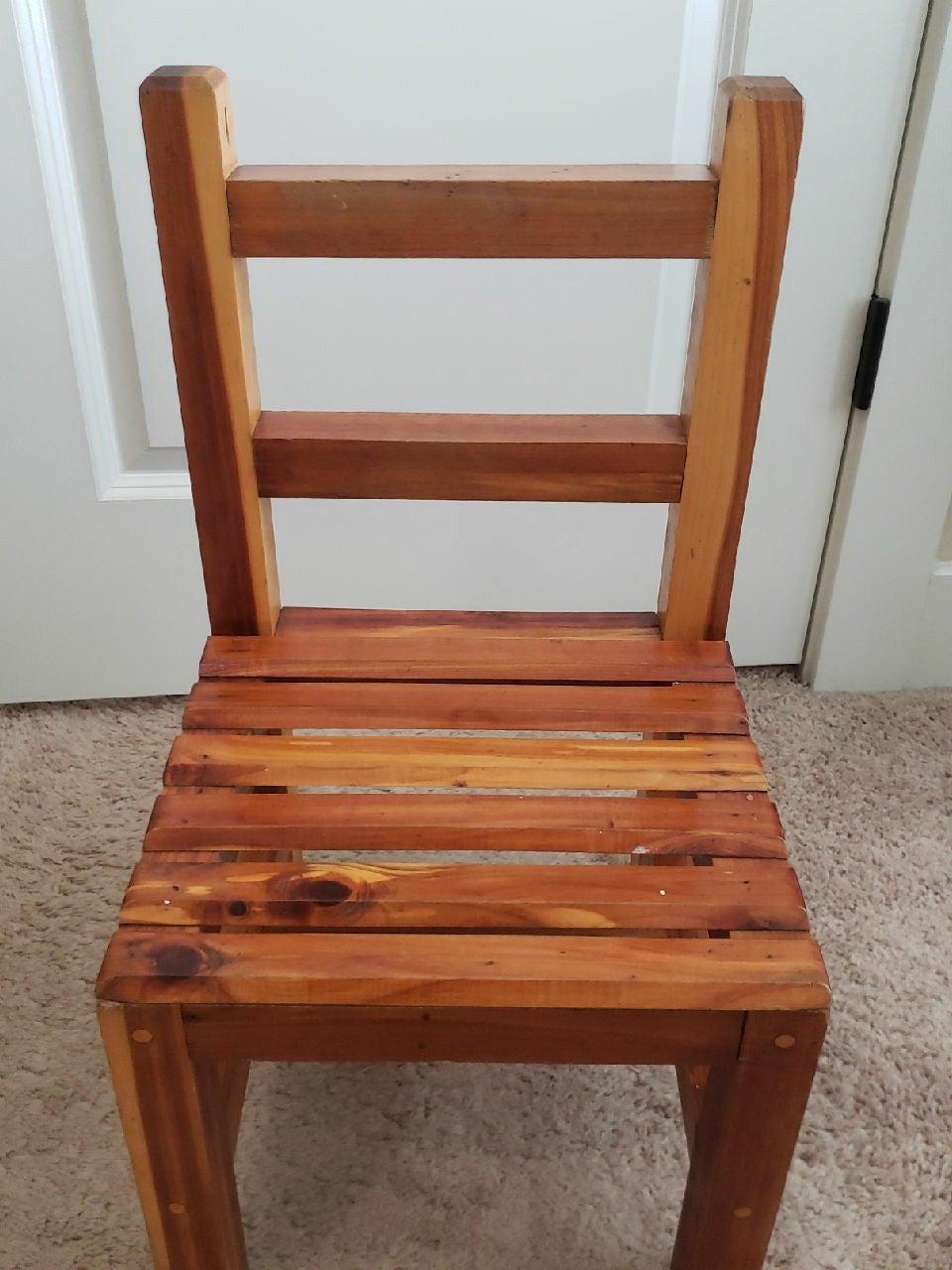 Vntg Childs Wooden Chair