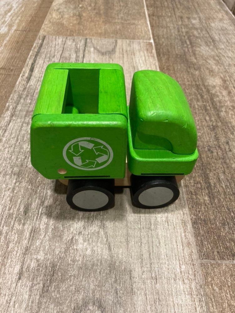 Plan toys wooden recycle dump truck