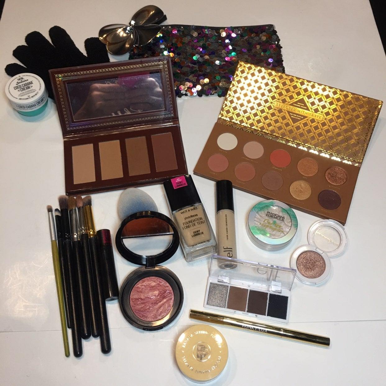 Huge 20 piece makeup lot