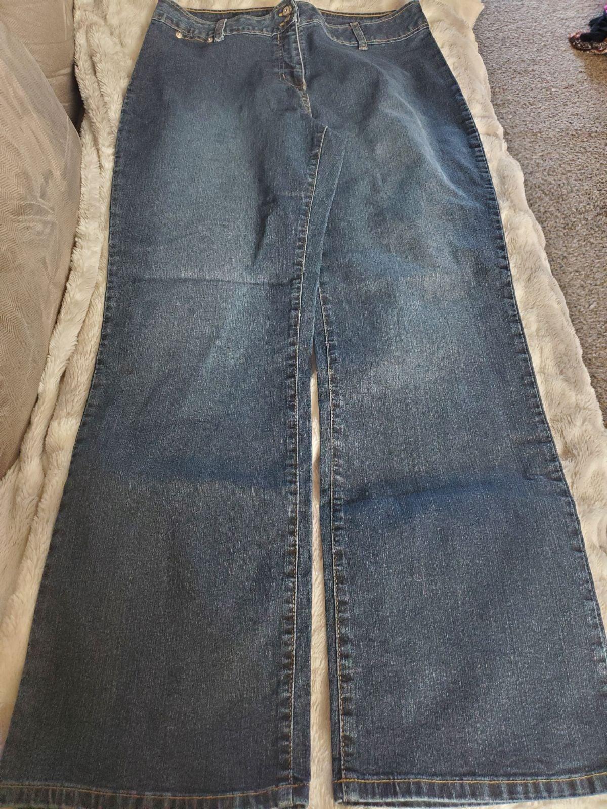 Womens size 14 carolina blues Jeans