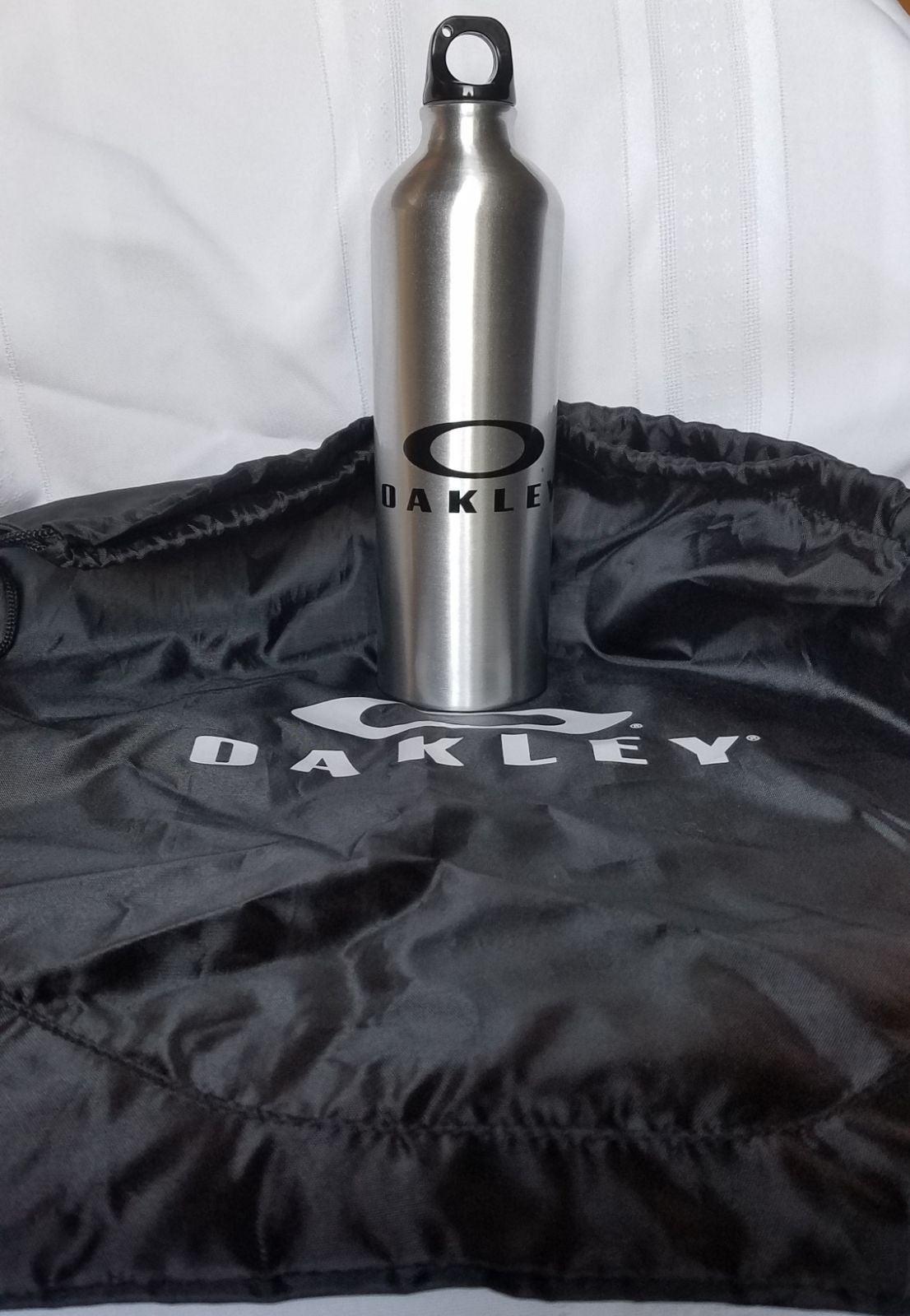 Oakley Water Bottle Set