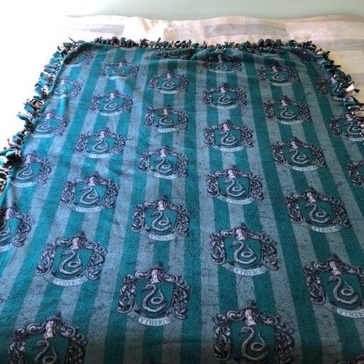 Harry Potter No-Sew Blanket Slytherin