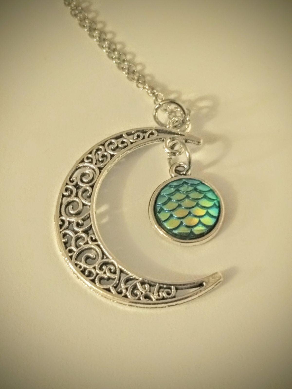 DRAGON EGG NECKLACE - Fantasy Jewelry
