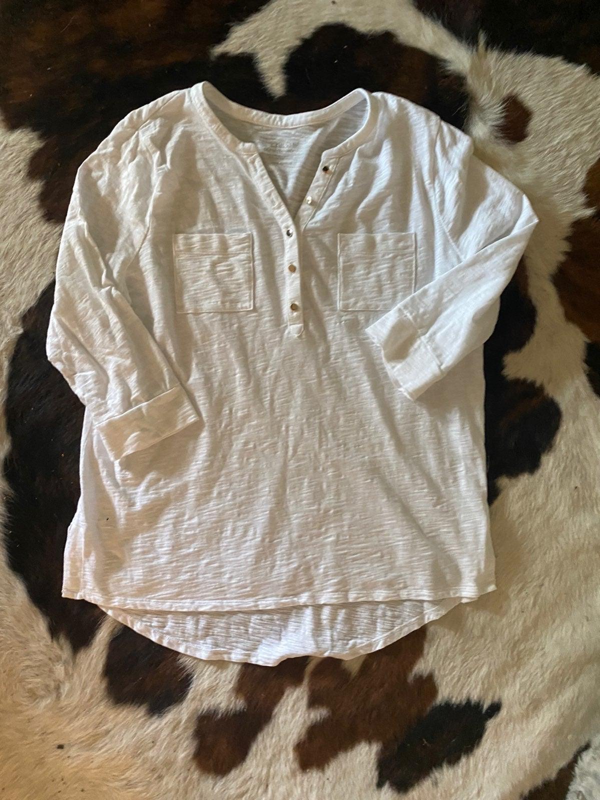 Womens chicos white shirt